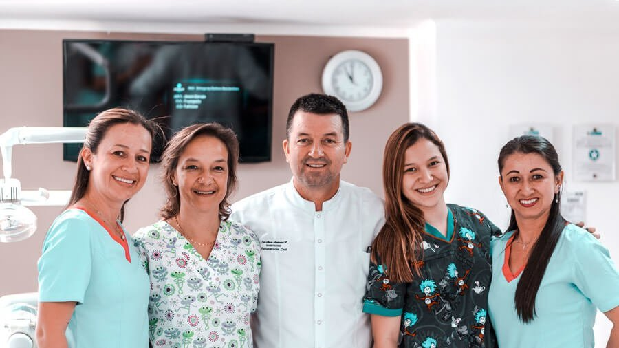 Odontólogos e higienistas dentales en Manizales